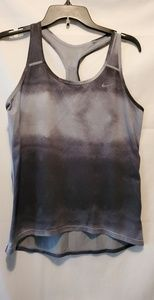 NIKE dri-fit tank Medium with reflective lines